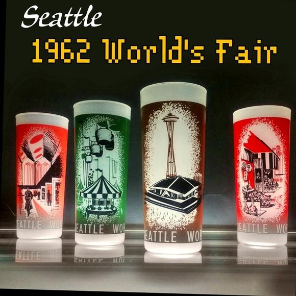 1962 Seattle worlds fair souvenir glasses
